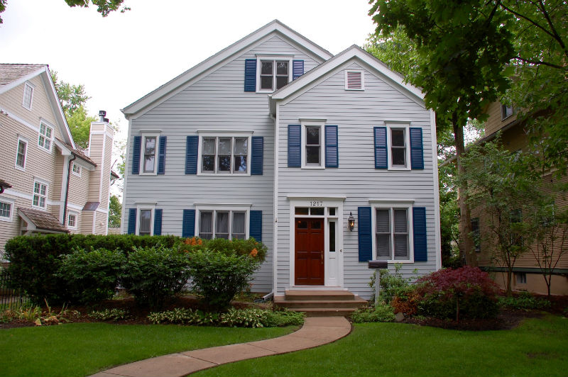 Colonial Style Home: James HardiePlank Lap Cedarmill Siding, IL