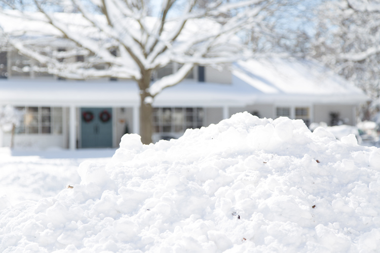 Choose Cold-Resistant HardieZone Siding for Harsh Chicago Winters