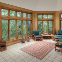 How to Choose Between Double Hung vs. Casement Window